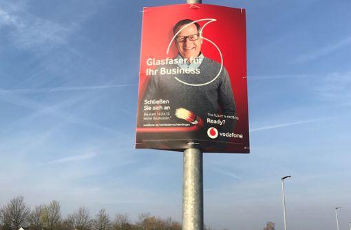 Vodafone hat 200 Werbeplakate illegal aufgehängt
