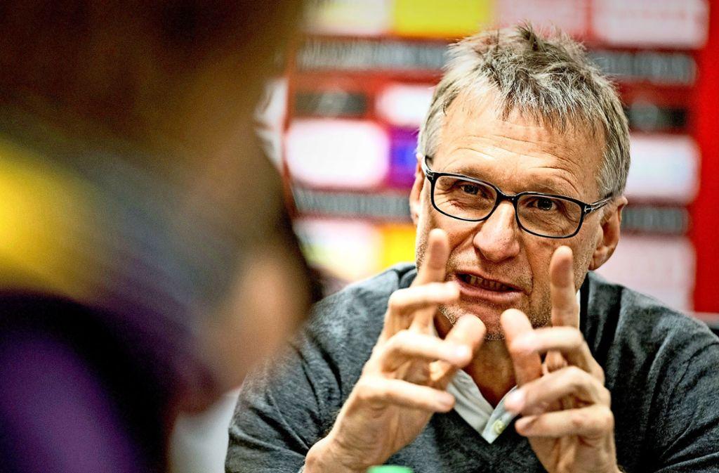 Lüge sei ein großes Wort, sagt Michael Reschke, der lieber von Flunkern sprechen will. Foto: dpa