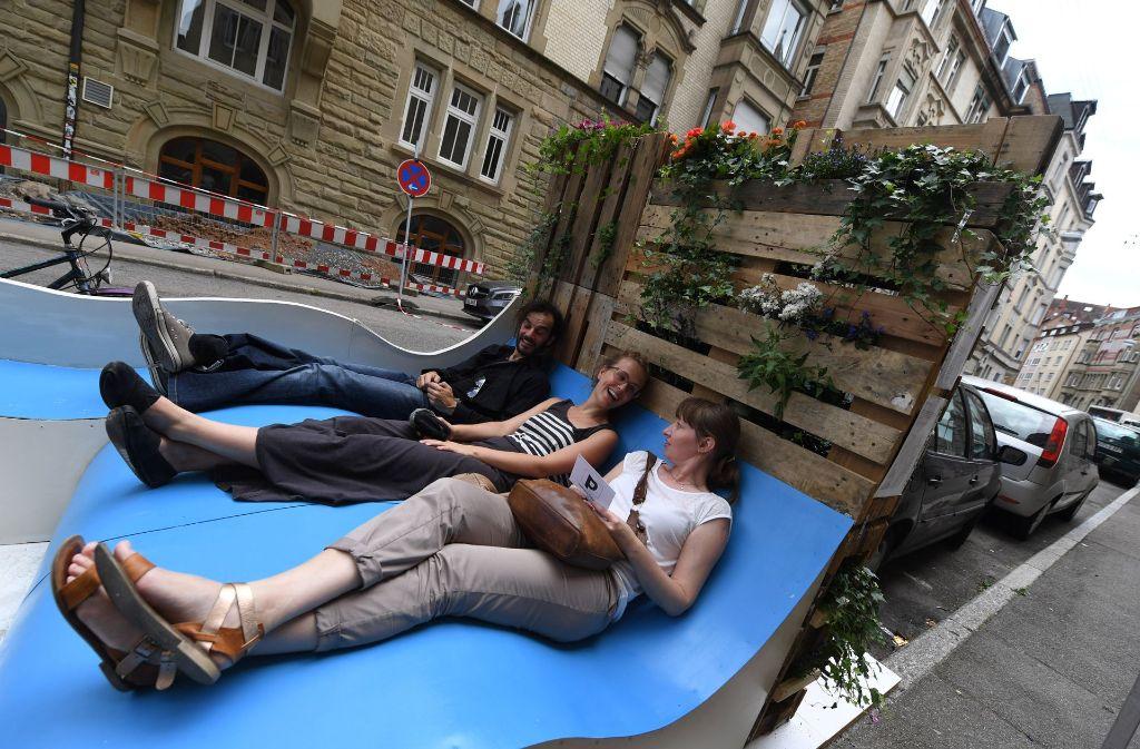 Die Parklets im öffentlichen Raum polarisieren. Foto: dpa