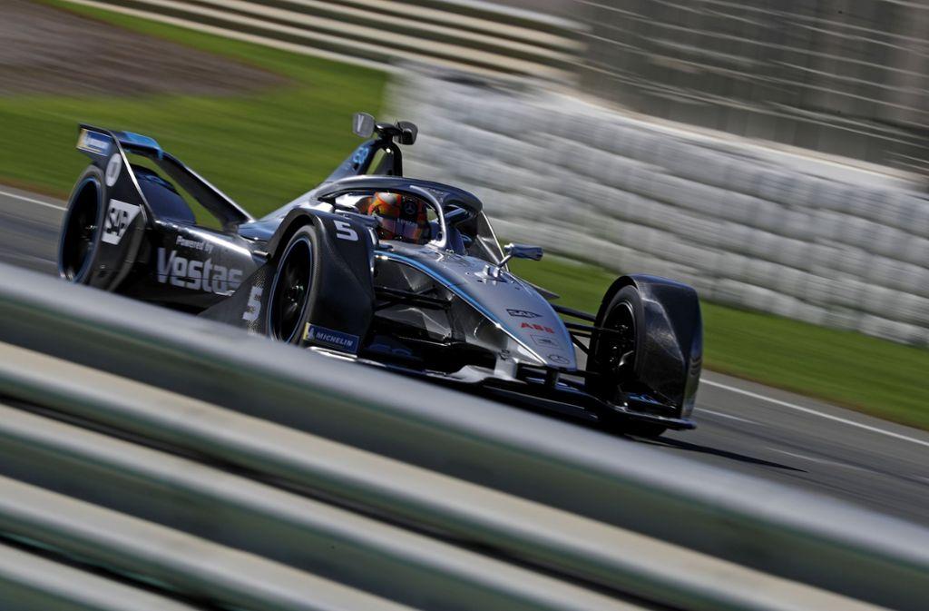 Stoffel Vandoorne im Mercedes Benz EQ, mit dem er in der Formel E startet. Foto: imago images/Kräling/Bildagentur Kräling via www.imago-images.de