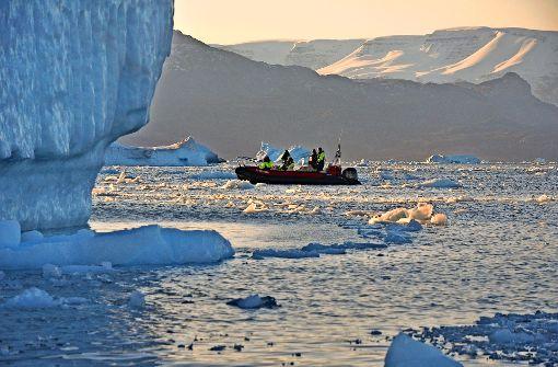 Schleichfahrt durch das Gletschereis