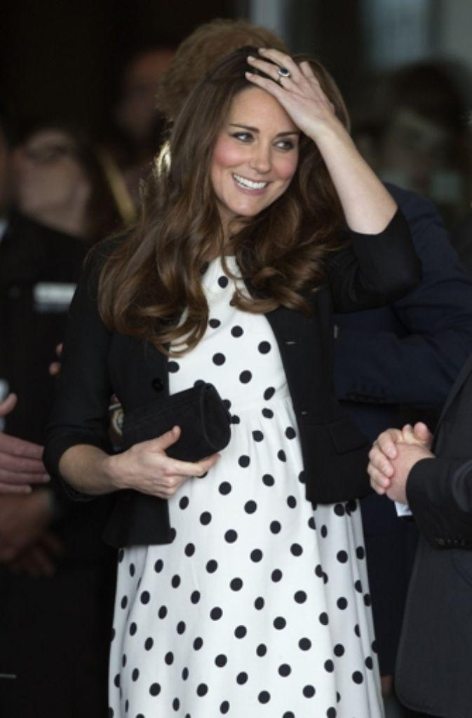 In Sachen Stil und Charme eindeutig ein Vorbild: Herzogin Kate.  Foto: AP