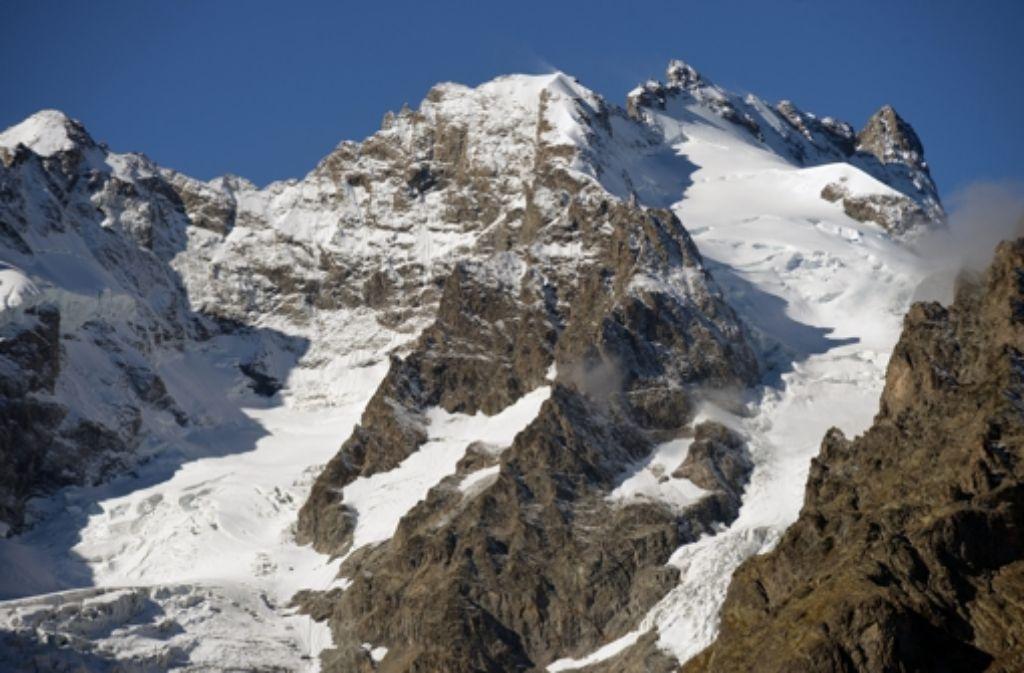 Immer wieder rutscht in den Alpen der Schnee ab – mit tödlichen Folgen. Foto: dpa