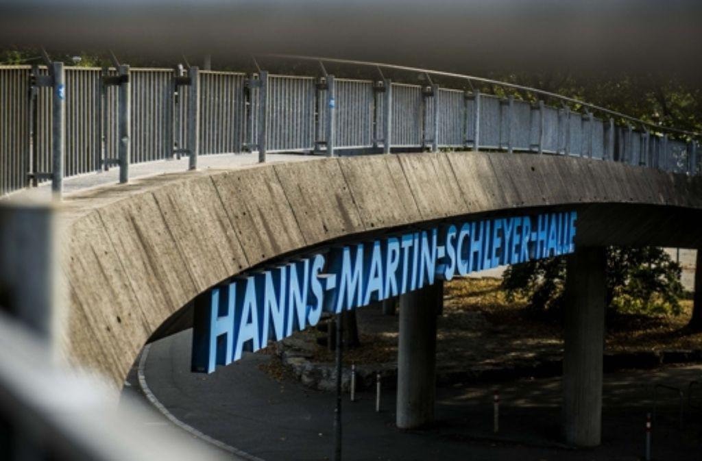 In den Nebenhallen der Hanns-Martin-Schleyerhalle sollen bis zu 500 Flüchtlinge untergebracht werden. Foto: Lichtgut/Max Kovalenko
