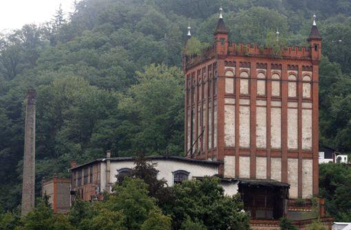 Eigner muss Villa mit Notdach schützen – 40000 Euro Strafe