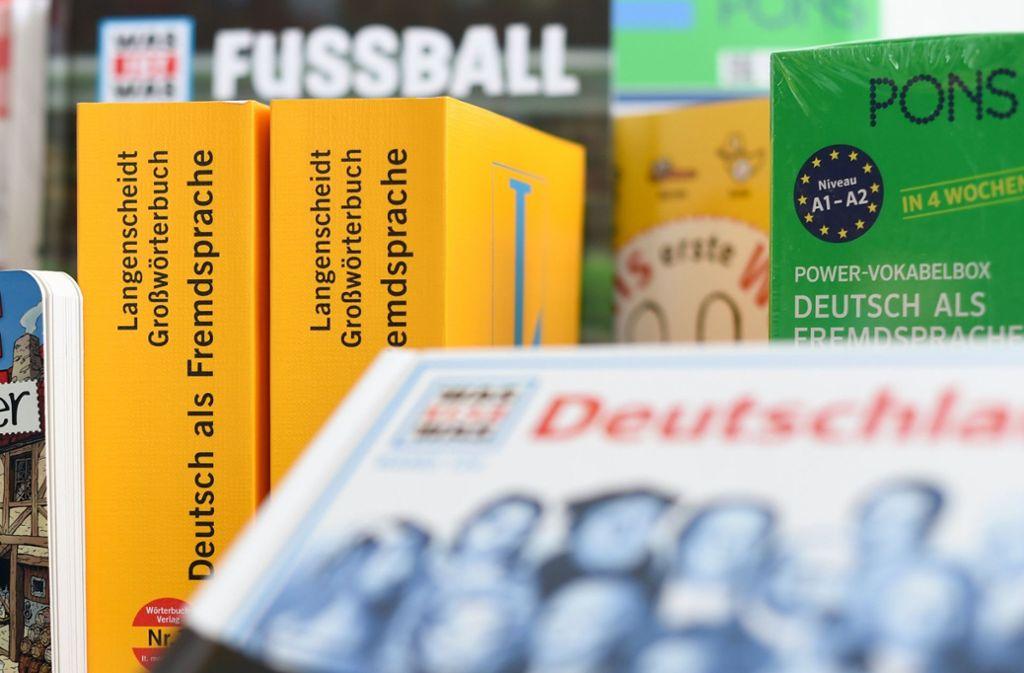 Grün oder gelb? Bald ist Schluss mit der Rivalität und Pons und Langenscheidt gehören zusammen. Foto: dpa