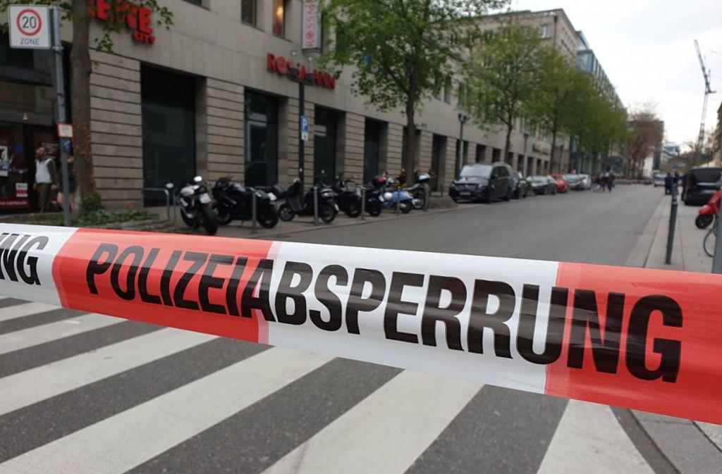 Herrenlose Koffer haben die Stuttgarter Polizei auf den Plan gerufen (Archivbild). Foto: 7aktuell.de/Simon Adomat
