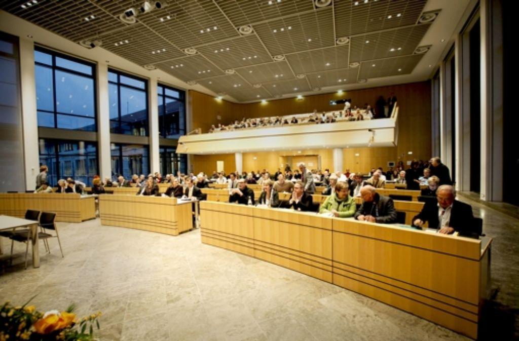 Die Stuttgarter Stadträte absolvieren, vor allem in Jahren mit Haushaltsberatungen, ein enormes  Sitzungspensum. Den Aufwand  misst das Hauptamt der Stadt. Foto: Lg/Leif Piechowski