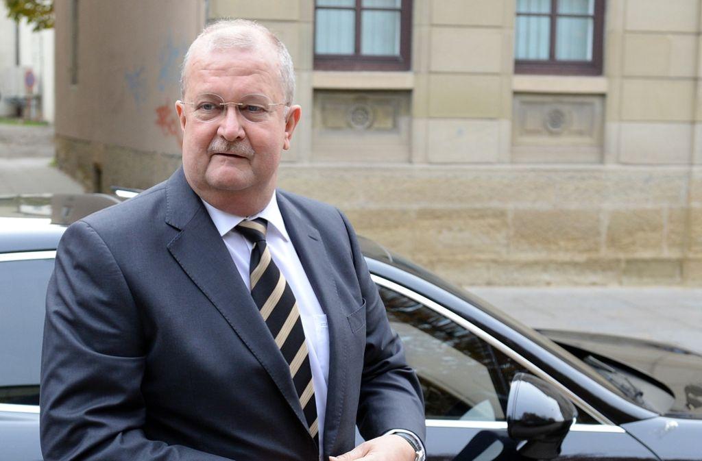 Wendelin Wiedeking auf dem Weg zum Landgericht Stuttgart im Oktober 2015. Foto: dpa