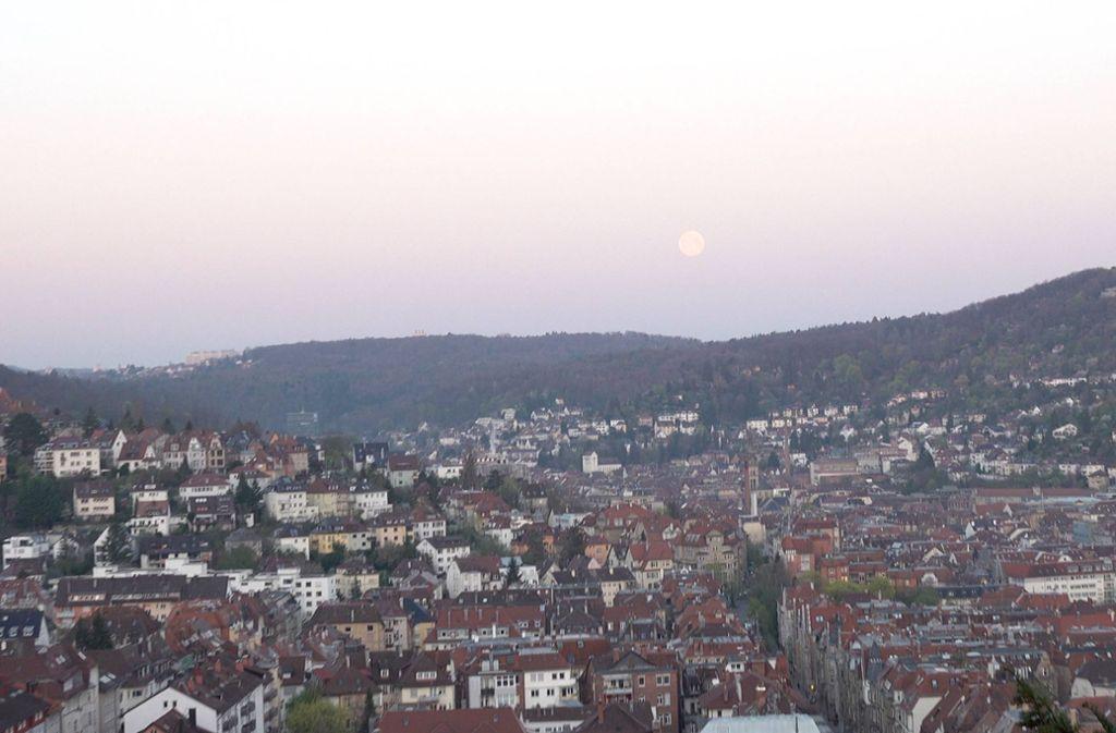 Am Mittwochmorgen verschwand das Spektakel dann langsam vom Himmel. Foto: 7aktuell.de/Alexander Hald