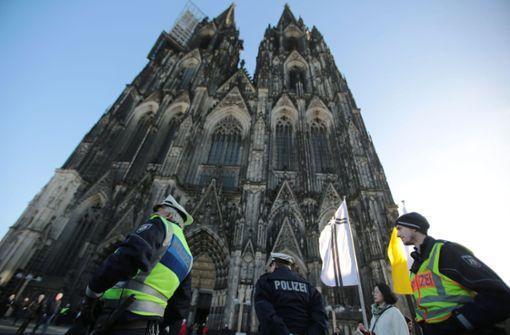 Passanten Glied gezeigt – Polizisten nehmen Exhibitionist fest