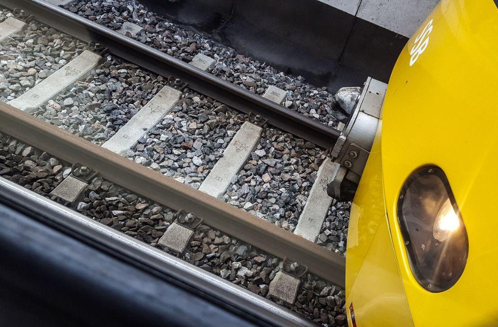 Der Exhibitionist trieb in einer Stadtbahn sein Unwesen. (Symbolbild) Foto: Lichtgut/Max Kovalenko