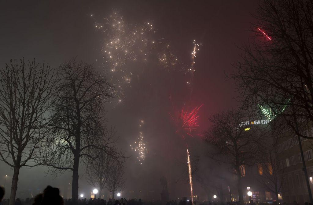 Die Feinstaubbelastung erreicht zum Jahreswechsel durch das Feuerwerk Spitzenwerte – wie hier auf dem Schlossplatz. Foto: Lichtgut/Michael Latz