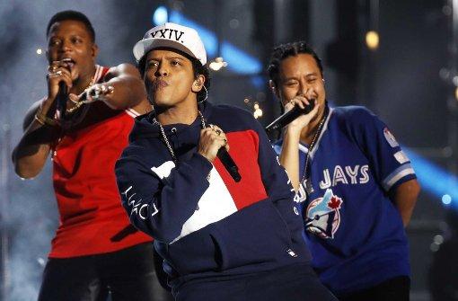 """Bruno Mars mag """"Wand aus Telefonen"""" nicht"""