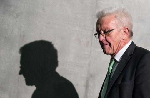 Kretschmann stärkt Staatsminister den Rücken