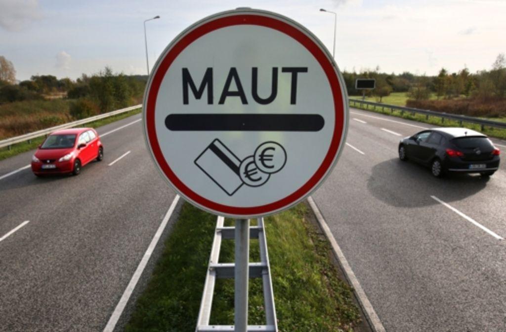 Nach Ansicht der Anrainerländer verstößt die geplante deutsche PKW-Maut gegen das Antidiskriminierungsverbot der EU. Foto: dpa