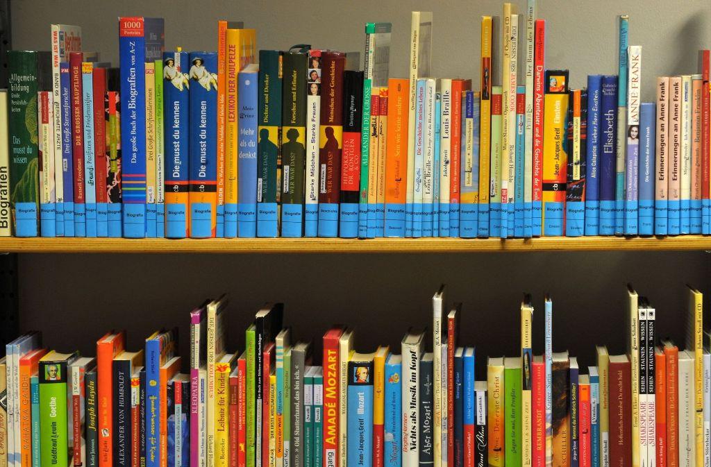 Beim Projekt Les-Bar arbeiten jugendliche Straftäter Bücher durch, damit sie sich mit ihren Taten auseinandersetzen. Foto: dpa-Zentralbild