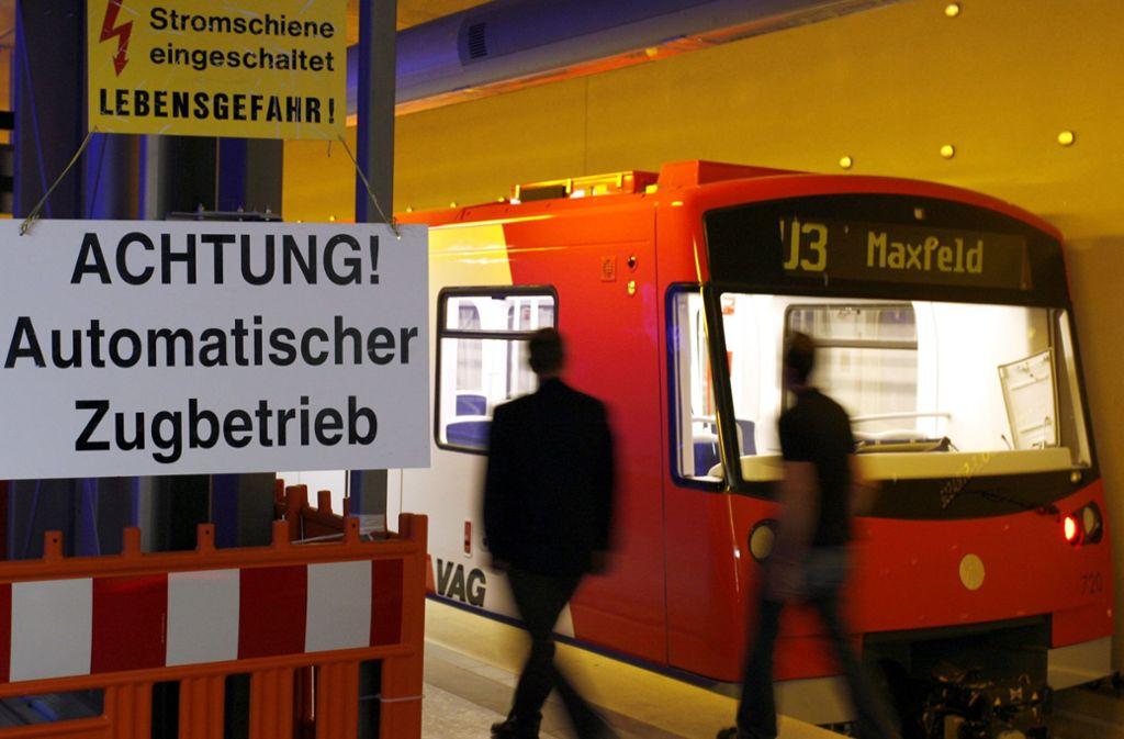 In Nürnberg kommt es zu einem U-Bahn-Unfall der ungewöhnlichen Art. Foto: dpa