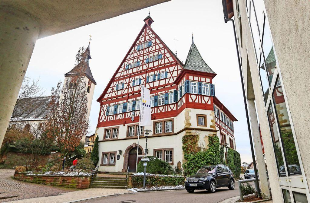 Das Münchinger Rathaus stammt von 1599, nun  braucht es feuerfestere Türen und eine neue Brandmeldeanlage. Foto: factum/Granville