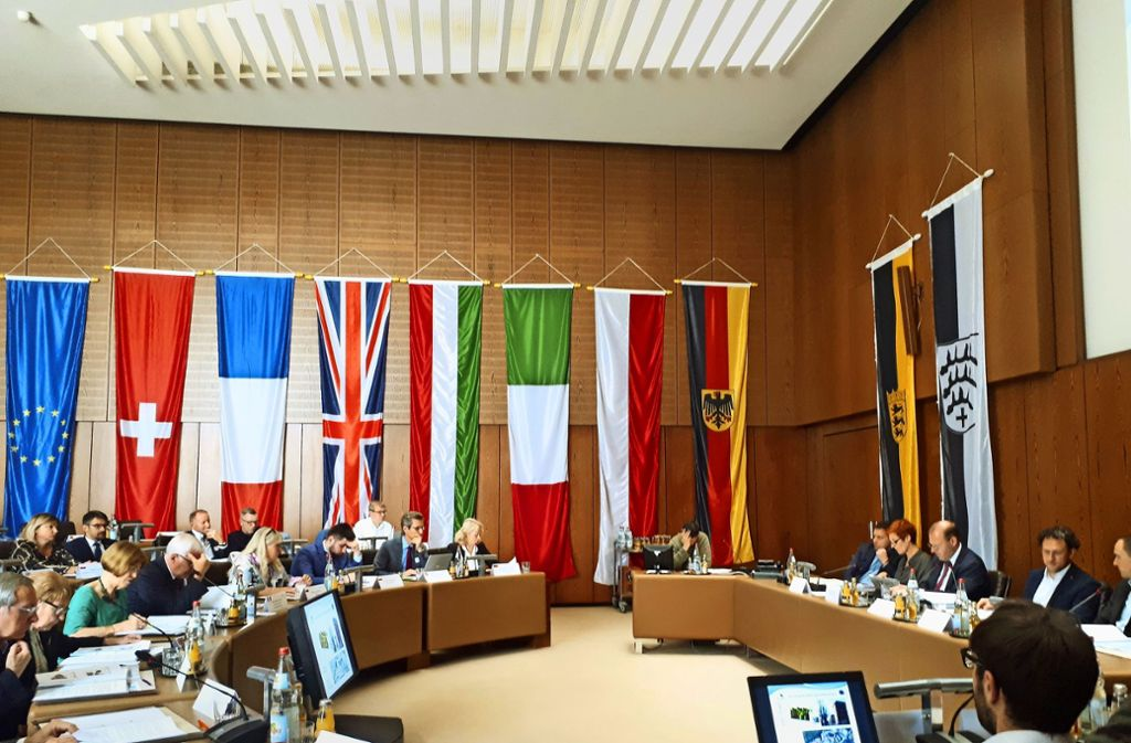 Kommunalpolitiker aus acht Ländern tagen im Sindelfinger Ratssaal. Foto: Wicke-Naber