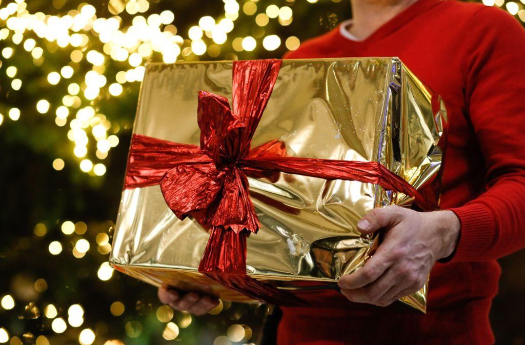 Welches Weihnachtsgeschenk macht wem Freude? Klicken Sie sich durch unsere Bildergalerie und finden Sie die von unserer Redaktion ausgewählte Geschenkideen für jeden Typ. Foto: dpa/Gerald Matzka