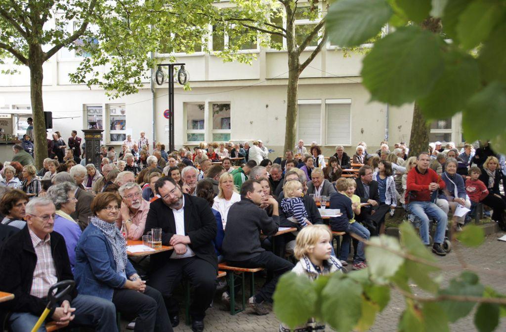 Das Straßen- und Heimatfest hat eine lange Tradition. Auch 2011 war der Marktplatz ein Anziehungspunkt. Foto: Archiv Leonie Schüler