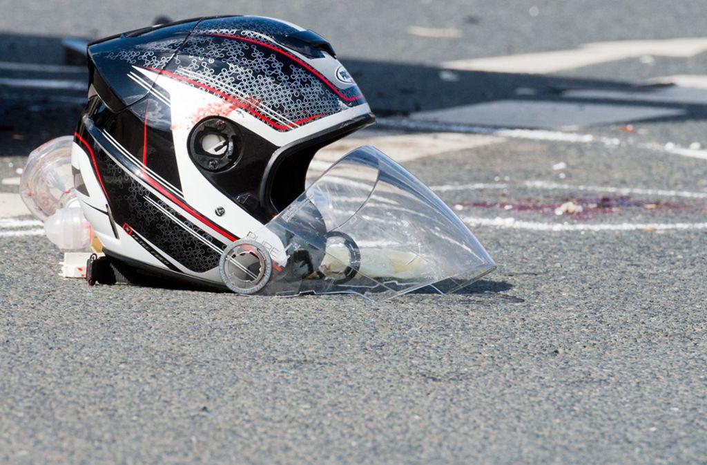 Zu hohe Geschwindigkeit ist eine der Hauptursachen für Motorradunfälle. Foto: dpa