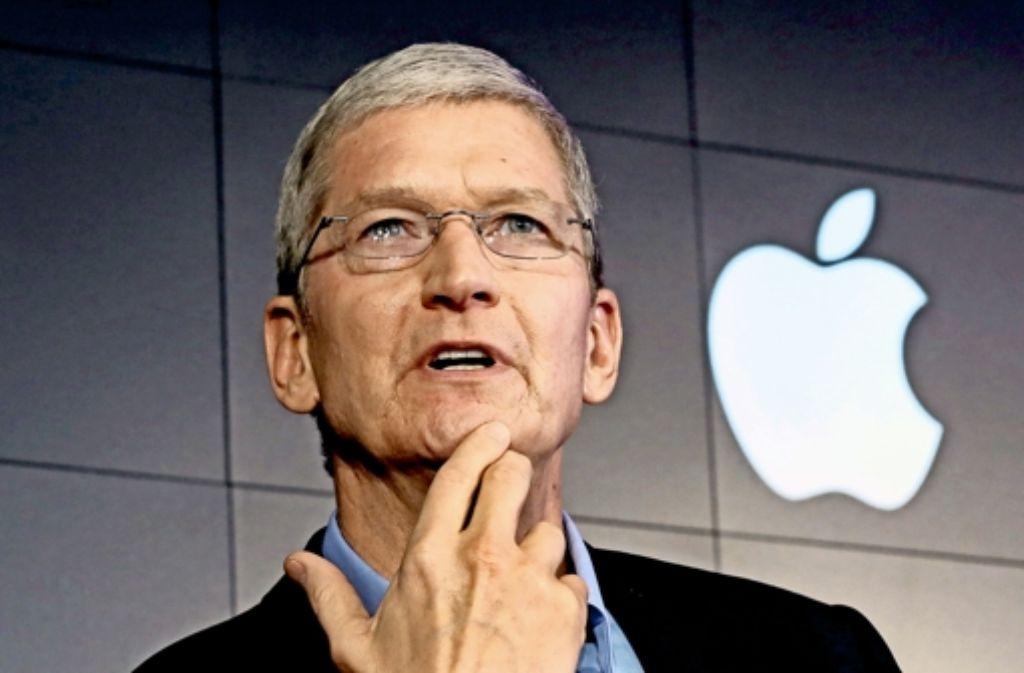Apple-Chef Tim Cook kommt die Gerüchteküche  im Vorfeld seiner Produktpräsentationen durchaus gelegen. Sie ist Teil des Rituals. Foto: AP