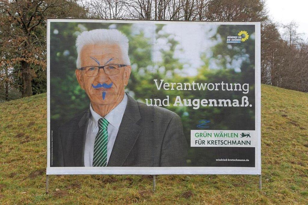 Winfried Kretschmann mit Bart - die harmlosere Variante des Vandalismus. Foto: dpa