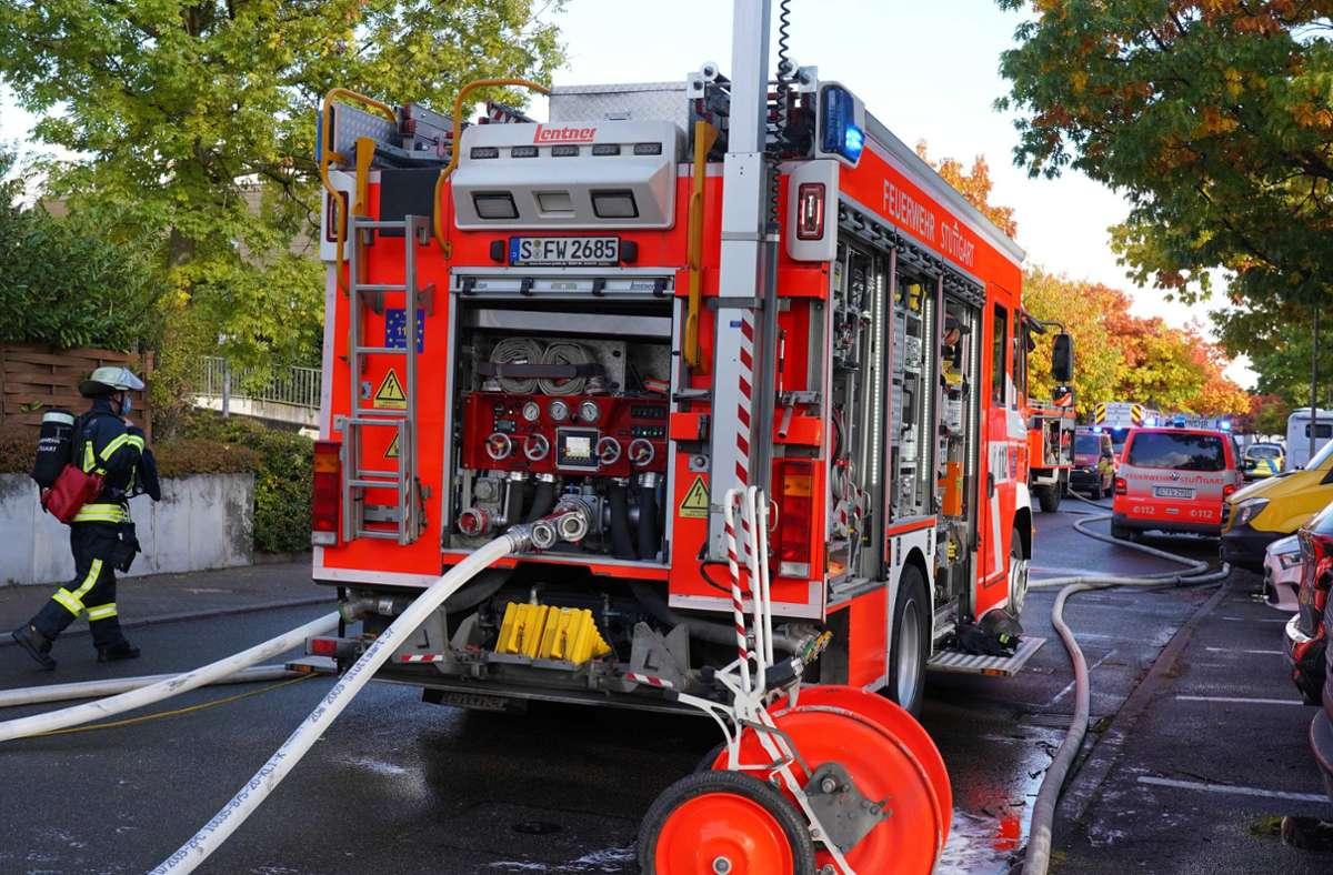 Die Feuerwehr ist am Sonntag zu einem Brand in Stuttgart-Heumaden ausgerückt. Foto: Fotoagentur-Stuttgart/Andreas Rosar