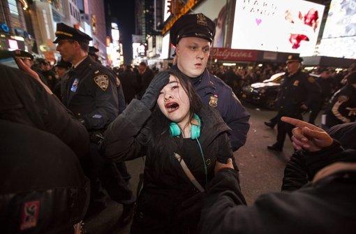Tausende protestieren gegen Polizeigewalt
