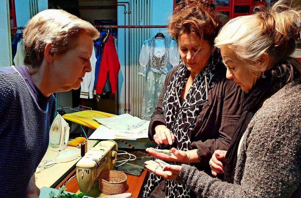 Isabella Winter, Sibylle Schulze und Susanne Heydenreich (von links) im Gespräch. Foto: Nathalie Veit