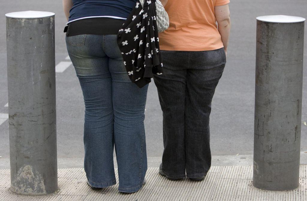 In Deutschland hat die Fettleibigkeit bei Kindern und Jugendlichen alarmierende Ausmaße angenommen (Symbolbild). Foto: dpa-Zentralbild