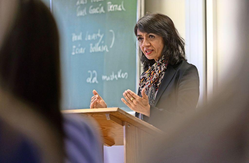 Muhterem Aras hat bei ihrem Besuch in der Glemsaue Foto: factum/Weise