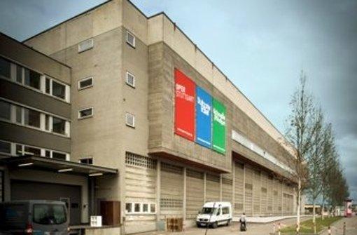 Das Kulissengebäude der Oper gilt als städtebaulicher Schandfleck. Nun soll es offenbar komplett abgerissen werden, um das Große Haus erweitern zu können. Foto: Lg/Achim Zweygarth