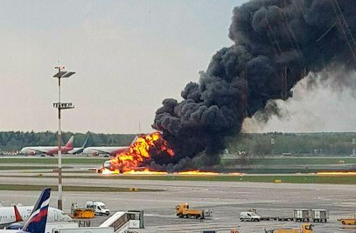 Russisches Flugzeug fängt Feuer – mehrere Tote