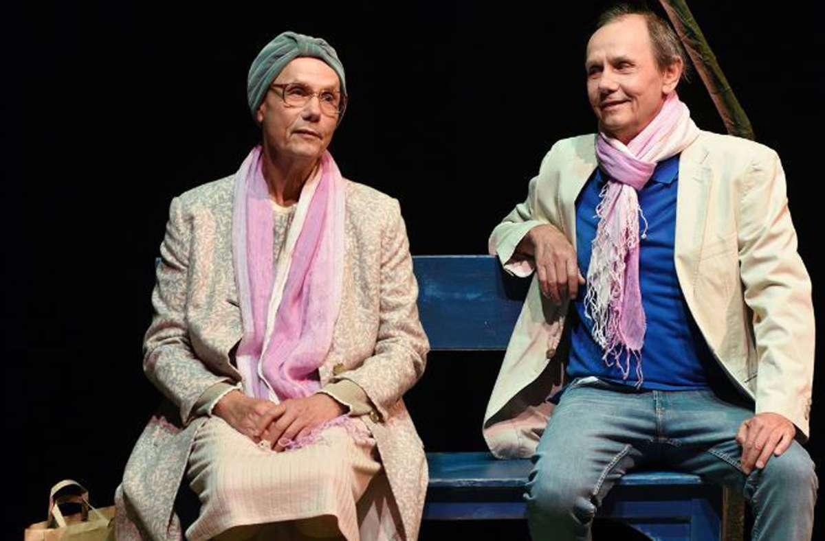 Das Besondere an der Produktion: Obwohl  Mutter und Sohn einen langen Dialog führen, steht Stephan Moos allein auf der Bühne. Foto: Theaterhaus