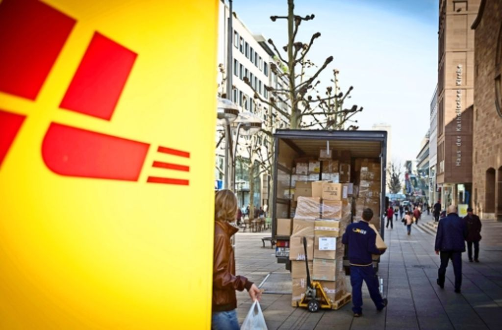 Zum Ärger vieler Passanten sind in der Fußgängerzone stets   Transporter  unterwegs. Das  soll sich bald ändern. Foto: Lichtgut/Achim Zweygarth