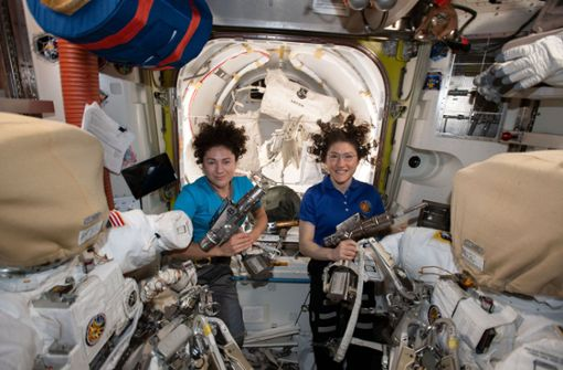 Zwei Astronautinnen schreiben Geschichte