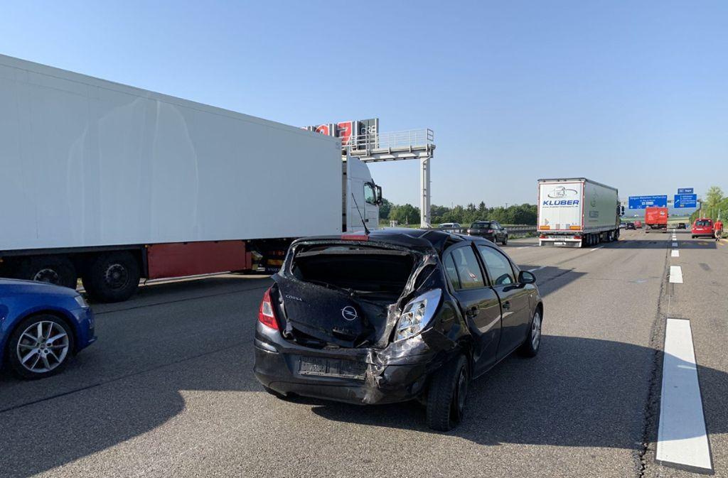 Auf der A81 bei Zuffenhausen hat es am Mittwochmorgen gekracht. Foto: SDMG
