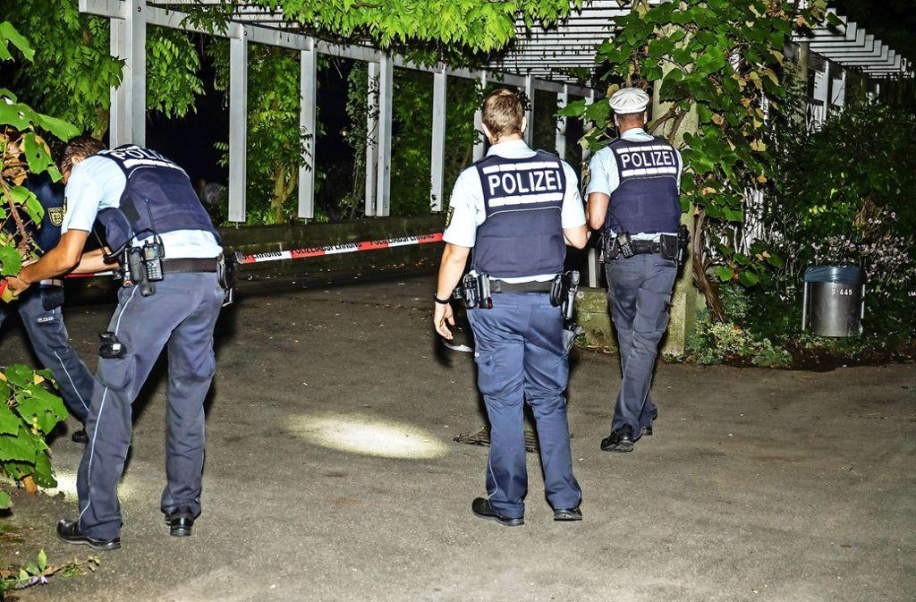 Kurz nach der Messerstecherei im Bietigheimer Bürgergarten im September nahm die Polizei den 19-jährigen Angeklagten fest. Foto: KS-Images.de
