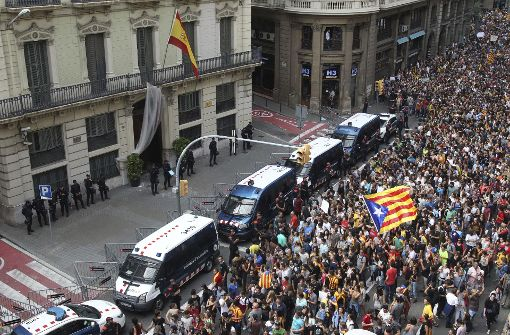 300.000 Menschen demonstrieren gegen Polizeigewalt