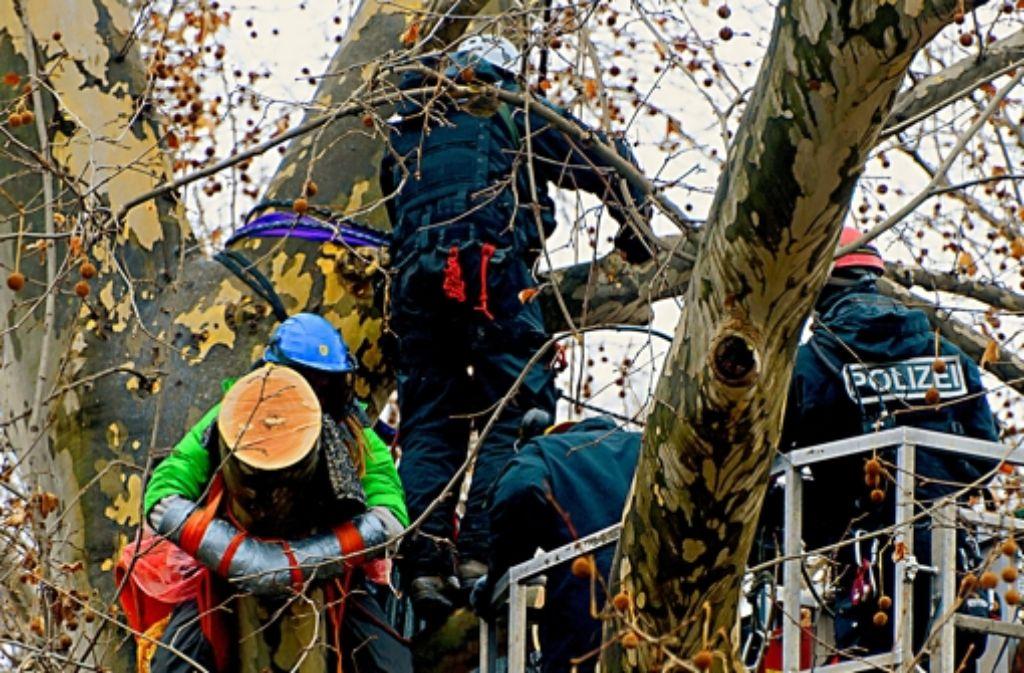 Mitte Februar haben Demonstranten vergeblich versucht, die Räumung des Schlossgartens zu verhindern. Foto: dapd