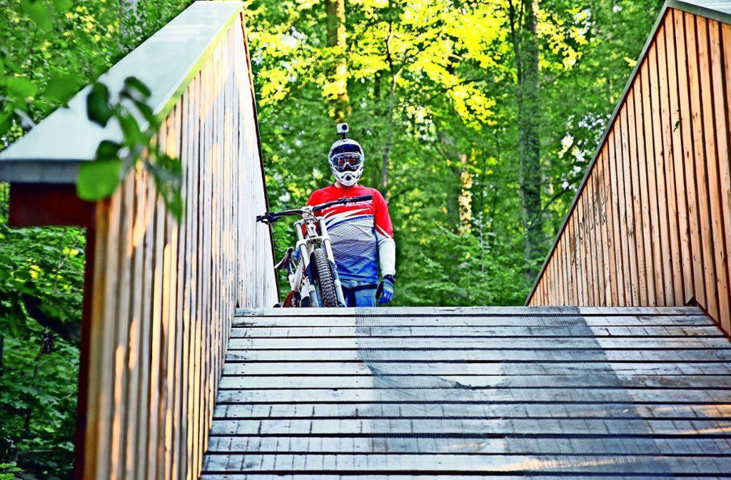 An den Wochenenden nutzen bis zu 100 Downhiller pro Tag den Trail. Foto: Hannes Opel