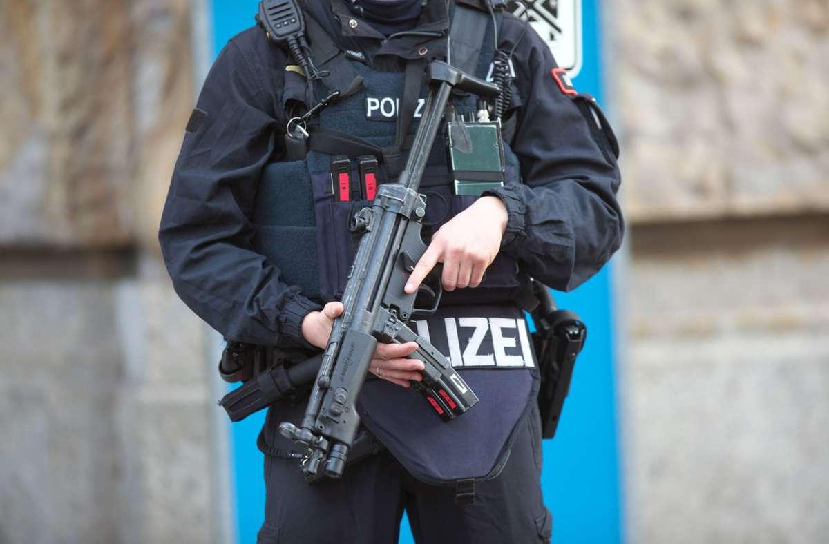 Eine Spezialeinheit der Polizei wurde nach Villingen-Schwenningen gerufen, um Entführer zu stoppen. (Symbolbild) Foto: imago images/Björn Trotzki/Bjoern Trotzki via www.imago-images.de