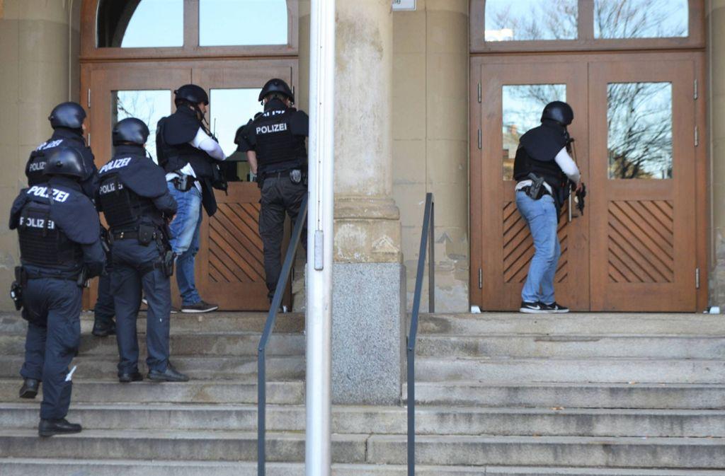 Die Polizei ist in Pforzheim zu einem Großeinsatz ausgerückt. Foto: 7aktuell.de/igm