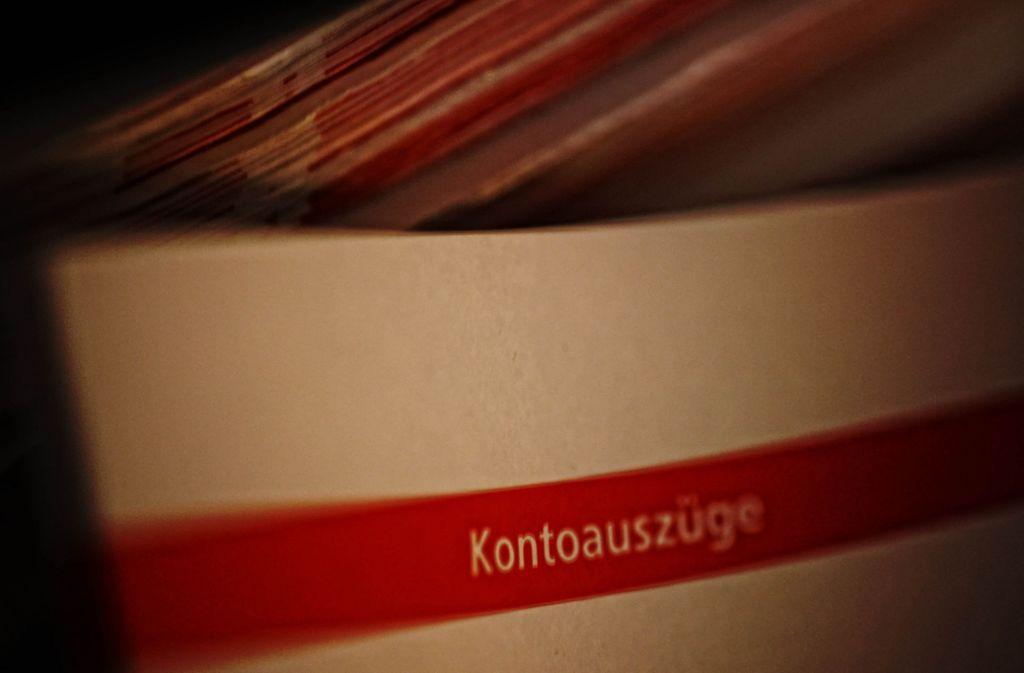 Kontoauszüge muss man nicht als Ausdruck aufbewahren, es genügt auch eine PDF. Foto: Gottfried Stoppel