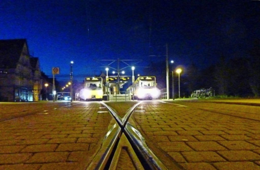 """Die Endhaltestelle der U15 ziert das Kalenderblatt vom  September: """"Die Stadtbahn ist das ÖPNV-Rückgrat Stammheims, die Nabelschnur nach Stuttgart und gewährt uns in kurzen Taktzeiten die Verbindung in die City und darüber hinaus"""", heißt es darin. Foto: Hechinger"""