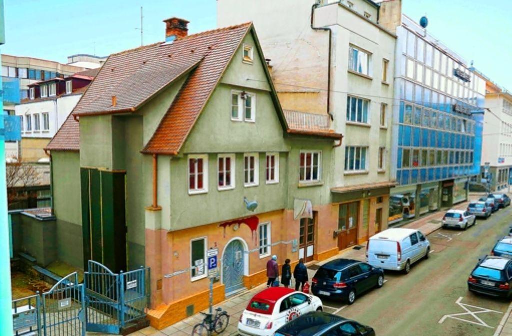 Die Tage des alten Gebäudes sind gezählt. Foto: Achim Zweygarth