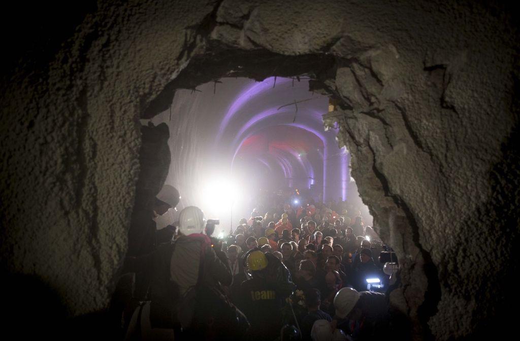 Vor zahlreichen geladenen Gästen ist der erste Tunneldurschlag bei Stuttgart 21 gelungen. Eine Röhre führt nun von der Ehmannstraße im Norden in die Innenstadt. Foto: Lichtgut/Leif Piechowski